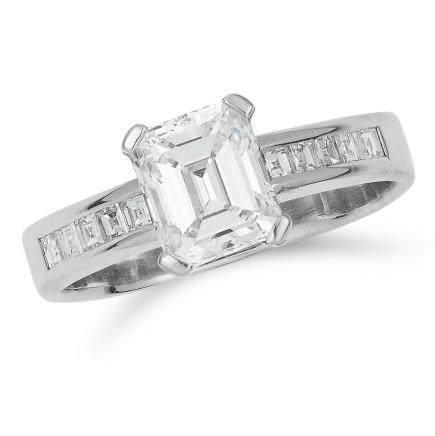 1.23 CARAT DIAMOND DRESS RING in 18ct white gold, set