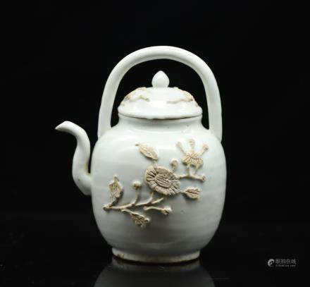 CHINESE WHITE GLAZED PORCELAIN TEAPOT