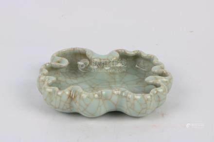 Chinese Ge Glaze Brush Wash Pot