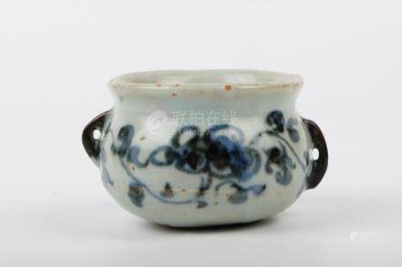 Chinese Ming Dynasty Blue And White Incense Burner