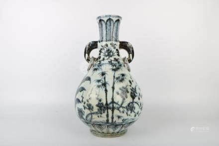 Chinese Ming Dynasty Blue And White Spring Bottle
