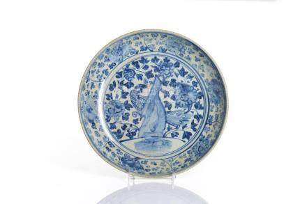 CHINESE MING SWATOW BLUE & WHITE PORCELAIN DISH