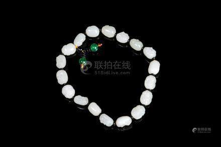 CHINESE WHITE JADE 18 LUOHAN BEADED BRACELET