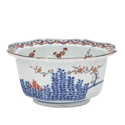 Japanese Kakiemon Octagonal Bowl