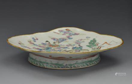 Quatrefoil Famille Rose Stem Dish , 19th C.