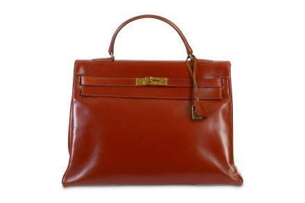 Hermès Oxblood Box Kelly Retourné 35
