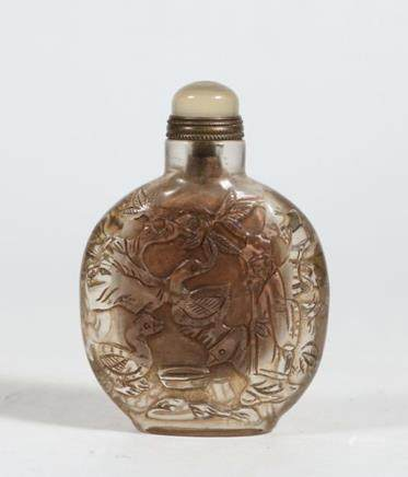 CHINESE ROCK CRYSTAL CARVED SNUFF BOTTLE