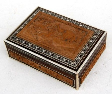 An Anglo-Indian Vizagapatam sandalwood box, 18cms (7ins) wide.