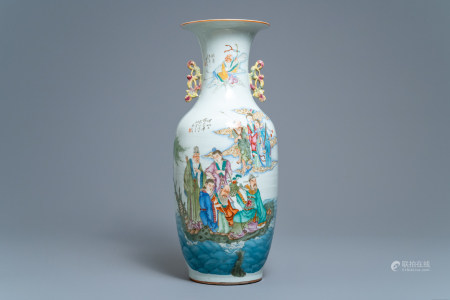 A Chinese famille rose two-sided design vase, 19/20th C.