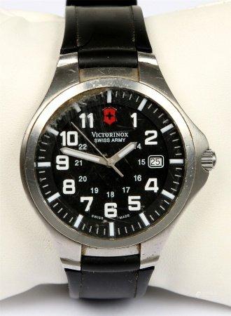 Reloj de pulsera, de la marca VICTORINOX, SWISS ARMY.