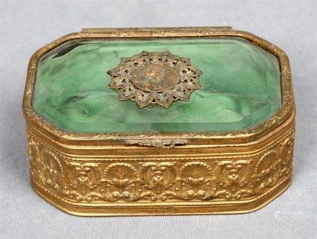 Caja francesa, época 1940.