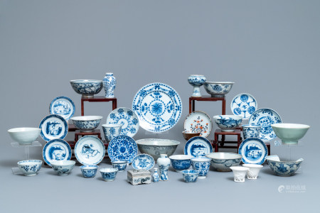 A varied collection of mostly blue and white Chinese porcelain, Ming and later