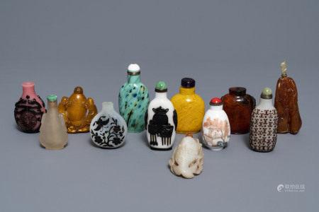 Twelve various Chinese snuff bottles, 20th C.