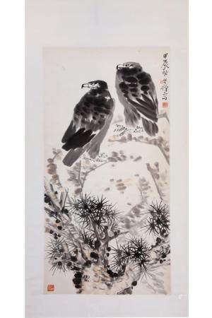 CHINESE SCROLL PAINTING OF TWO PERCHED EAGLES