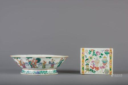 A Chinese famille rose lobed bowl and a '100 antiquities' headrest, 19th C.