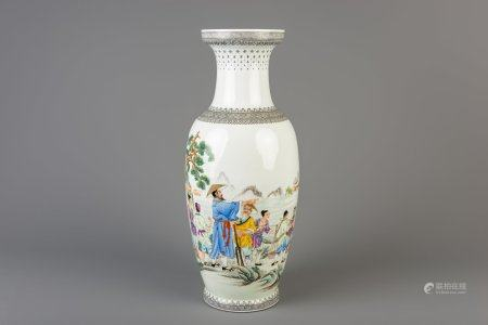 A fine Chinese famille rose vase depicting the construction of a dam, Republic, 20th C.