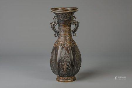 A large bronze baluster shaped vase, China, 18th/19th C.