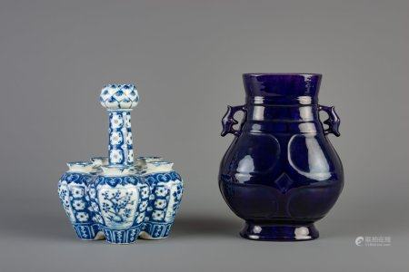 A Chinese monochrome purple hu vase and a blue and white tulip vase, 19th/20th C.