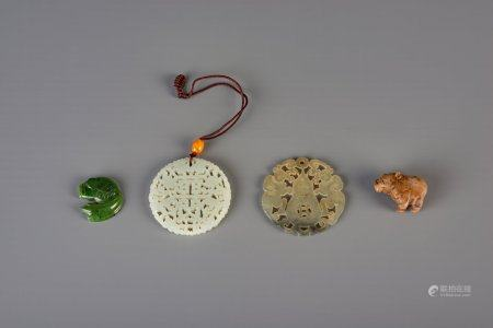 Four Chinese carved jade items, 19th/20th C.