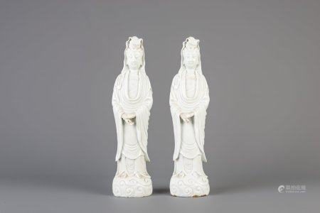 Two Chinese blanc de Chine Dehua figures of Guanyin, 18th/19th C.