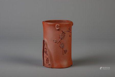 A Chinese trunk shaped Yixing stoneware brush pot, 19th/20th C.