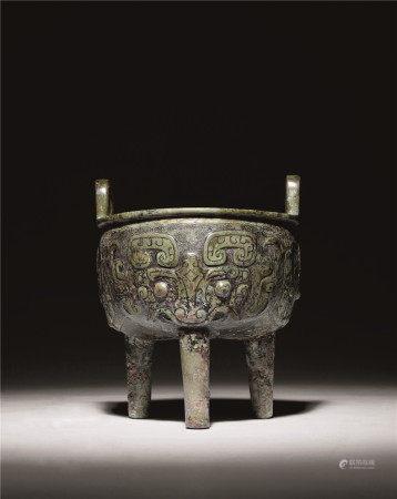 西周 青铜饕餮纹鼎