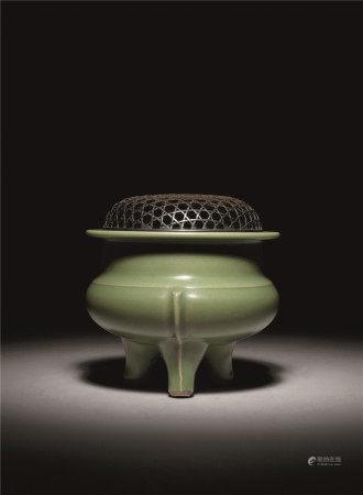 元 七官青瓷鬲式炉