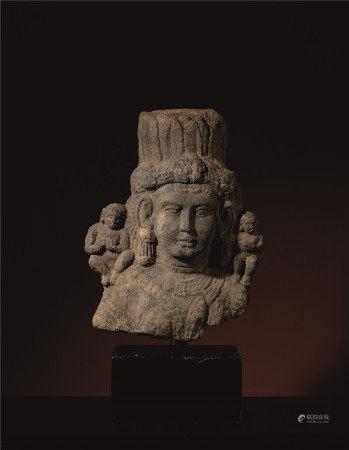 二-三世纪 巴基斯坦地区石雕圣母像