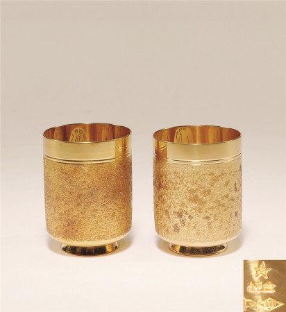 纯金酒杯 (一对)