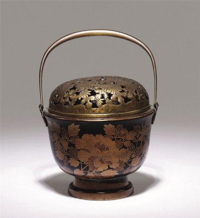 江户时期 莳绘花卉纹手炉