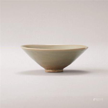 北宋 青瓷素纹碗