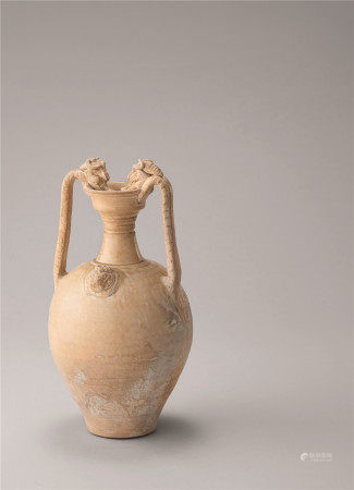 唐代 白瓷贴花龙耳瓶
