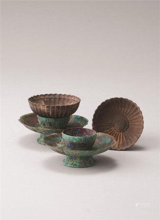 宋代 青铜盏托与银制荷花碗