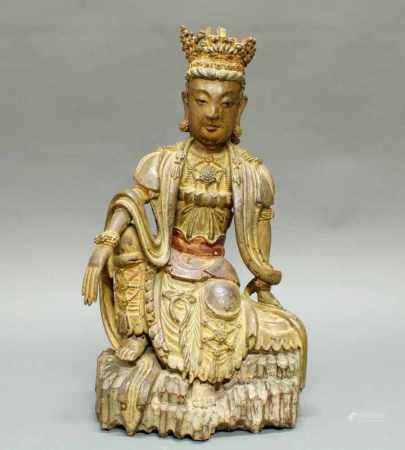 """Figur, """"Sitzende Guanyin auf einem Felsen"""", China, 19./20. Jh., Holz, geschnitzt, Reste farbiger"""