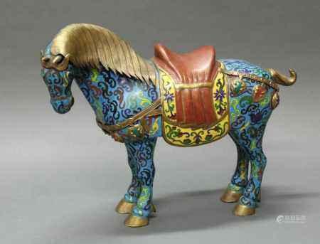"""Figur, """"Pferd"""", China, 20. Jh., Cloisonné, stehend, Sattel und gelbe Satteldecke, plastisch"""