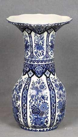 Gran jarrón viejo Delft.