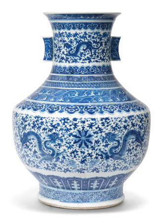 A large blue and white 'chilong and lotus' vase, hu 19th century