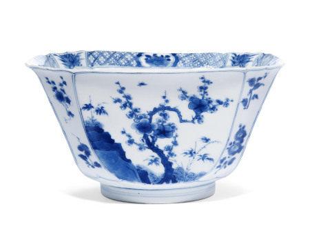 KANGXI PERIOD (1662-1722) 清康熙 青花四季花卉纹碗