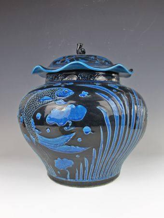 明代蓝釉鱼藻罐