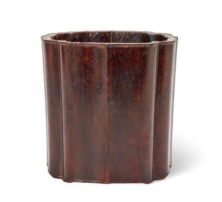 A ZITAN BRUSHPOT, 19TH/20TH CENTURY 19.5 cm high