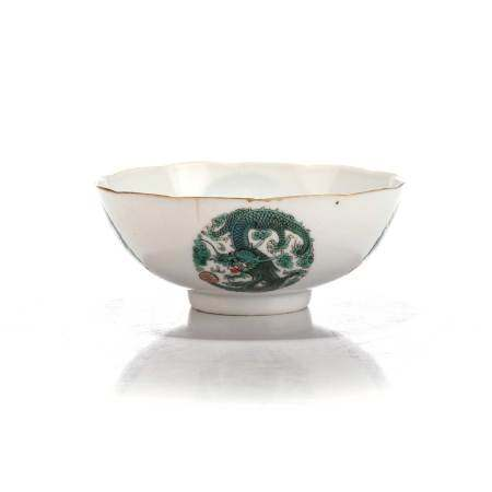 A CHINESE FAMILLE VERTE 'DRAGON' BOWL, QING DYNASTY, 19TH CENTURY The rounded sides rising from a