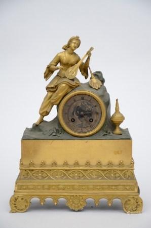 Louis-Phippe clock in bronze 'troubadour' (12x27x37cm)