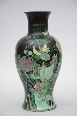 Vase in Chinese famille verte porcelain 'birds' (44cm)