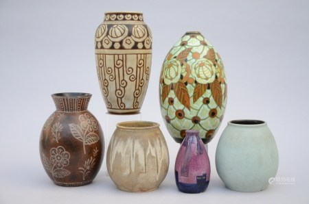 Lot: 6 art deco vases by Keramis, Catteau and J. Cockx (*) (20cm)