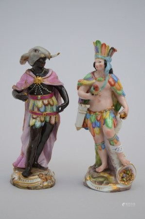 Two figures in porcelain 'America and Africa', 18th century (*) (16cm)
