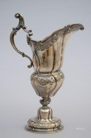A silver ewer in Louis XV style (32cm)