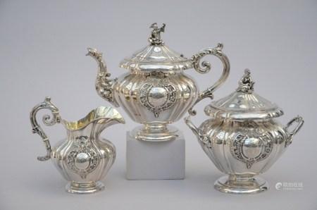 Three-piece silver tea set, Veyrat ‡ Paris (*) (20cm)