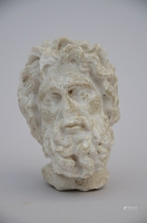Marble sculpture 'head of a man' (9cm)