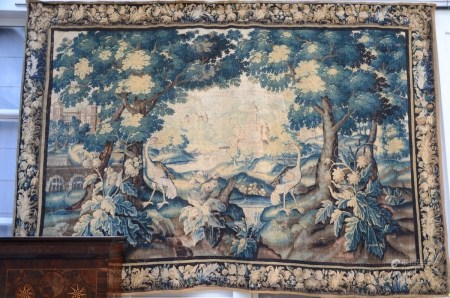 A large 'verdure' tapestry, 17th century (272x408cm)