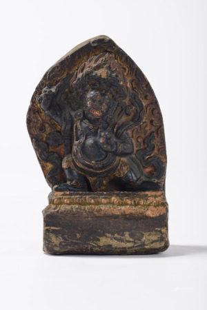 Tibetan tsatsa sculpture 'Vajrapani', 18th - 19th century (inscriptions) (7x9x15cm)